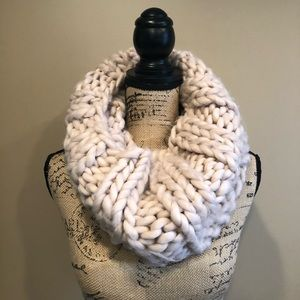 New Anthropologie Chunky Knit Cowl Scarf Rose Pink